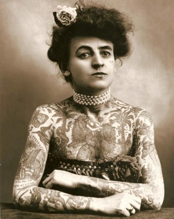 Первая женщина, которая начала заниматься тату. США, 1907 год.